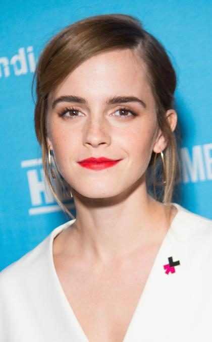 Homem se transforma em Emma Watson com maquiagem e bomba na internet
