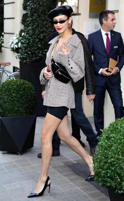 Bella Hadid <i>tr&egrave;s chic</i> en la Semana de la Moda en Par&iacute;s
