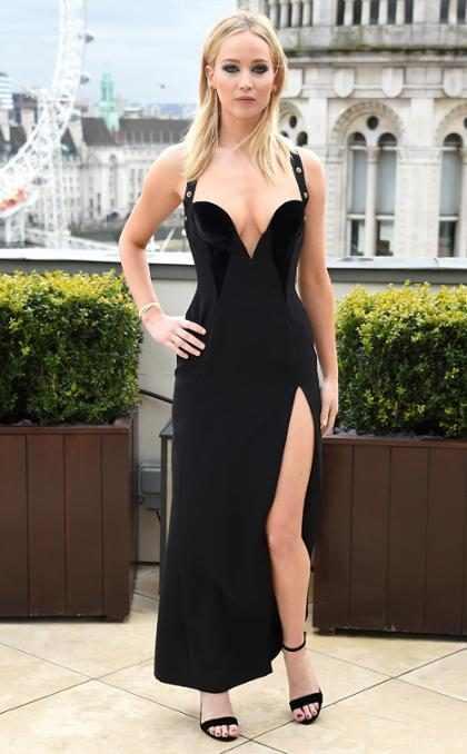 Jennifer Lawrence estalla contra los críticos de su sensual vestido Versace