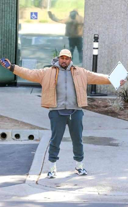 ¡Kanye West sugiere a sus fans que podría postularse a la presidencia en 2024!