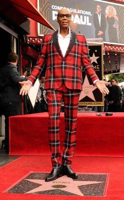 RuPaul ganha estrela na Calçada da Fama de Hollywood