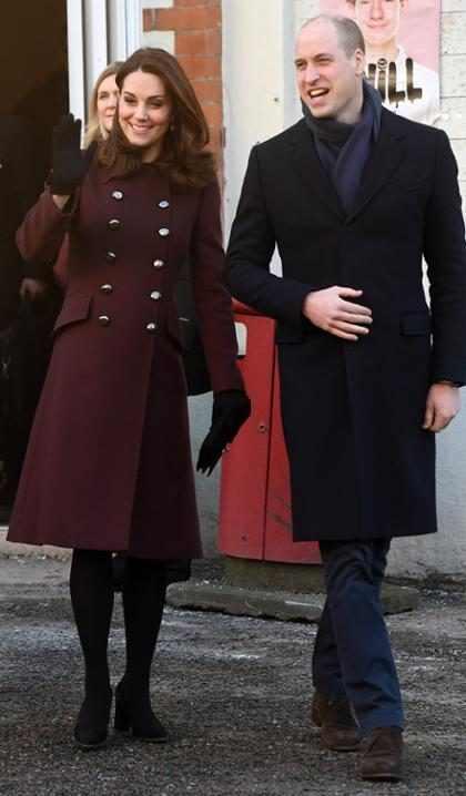El príncipe William bromea sobre la posibilidad de tener gemelos con Kate Middleton