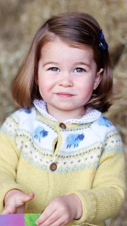 La Princesa Charlotte asistió a su primer día de escuela y lució simplemente adorable ¡Tienes que verla!