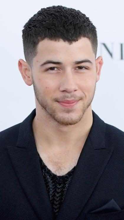 Nick Jonas tuvo la mejor pareja en los <i>Golden Globes</i> y tenemos las pruebas