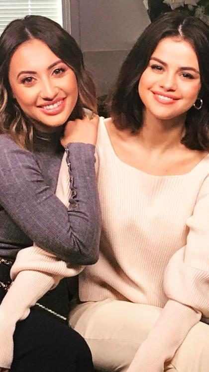 Francia Raisa muestra orgullosamente la cicatriz de su trasplante de riñón para Selena Gomez