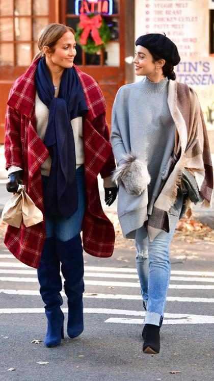 Jennifer Lopez y Vanessa Hudgens filmando <em>Second Act</em> en Nueva York