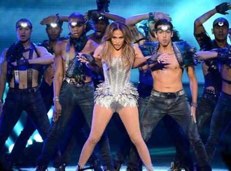 http://images.eonline.com/resize/460/341/images.eonline.com/eol_images/Entire_Site/201799//rs_1024x759-171009125025-1024.Jennifer-Lopez-Backup-Dancers.ms.100917.jpg