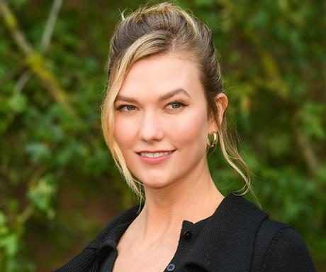 "Karlie Kloss' Facialist Shares an At-Home Massage That's ""Pilates for Your Face"""