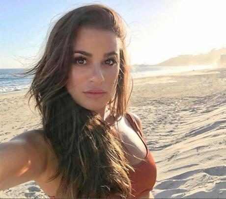 http://images.eonline.com/resize/460/406/images.eonline.com/eol_images/Entire_Site/2016922//rs_1024x903-161022143740-1024.Lea-Michele-Celeb-Selfie-Instagram-Beach.kg.102216.jpg