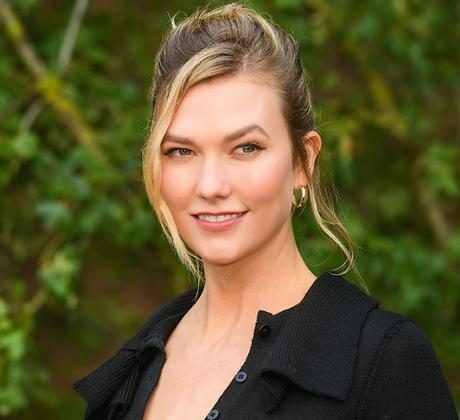 """Karlie Kloss' Facialist Shares an At-Home Massage That's """"Pilates for Your Face"""""""