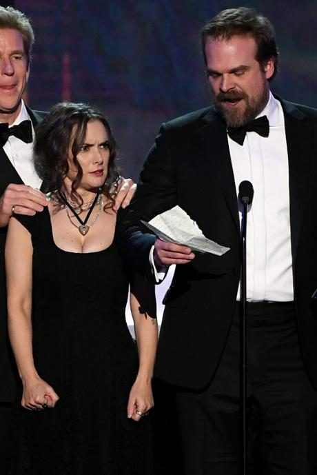 http://images.eonline.com/resize/460/689/images.eonline.com/eol_images/Entire_Site/201711//rs_684x1024-170201090233-634-winona-ryder-stranger-things-sags.jpg