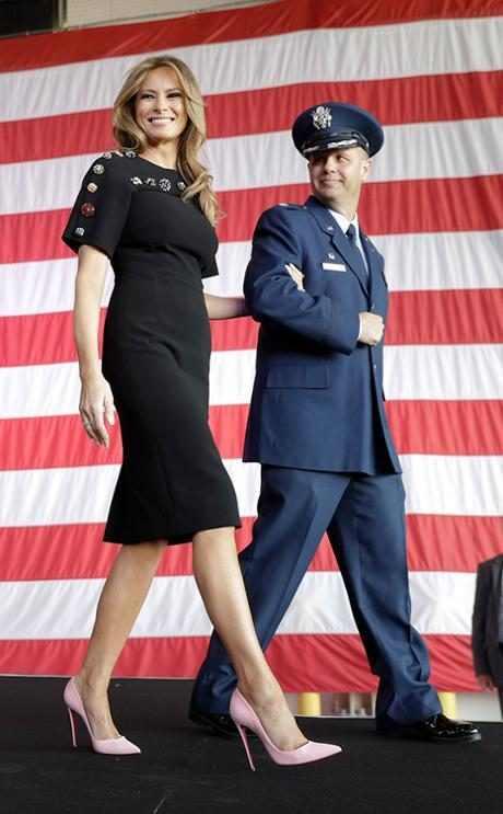 http://images.eonline.com/resize/460/743/images.eonline.com/eol_images/Entire_Site/2017514//rs_634x1024-170614180840-634.Melania-Trump-Best-Looks-Italy.kg.061417.jpg