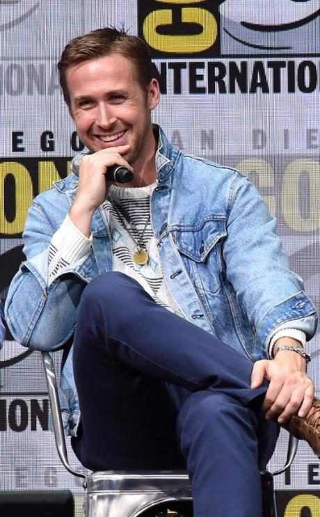 http://images.eonline.com/resize/460/743/images.eonline.com/eol_images/Entire_Site/2017622//rs_634x1024-170722124517-634.ryan-gosling.cm.72217.jpg