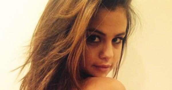 Selena Gomez Gets A New Tattoo See Pics And Find Out The