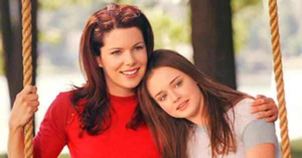 The First Photo From The Gilmore Girls Revival Set Is Here